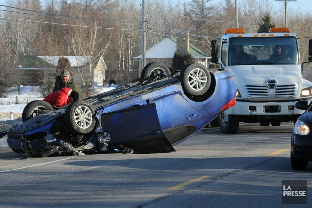 Le bilan routier continue de s'améliorer au Québec mais certaines... (Photo archives Le Quotidien)