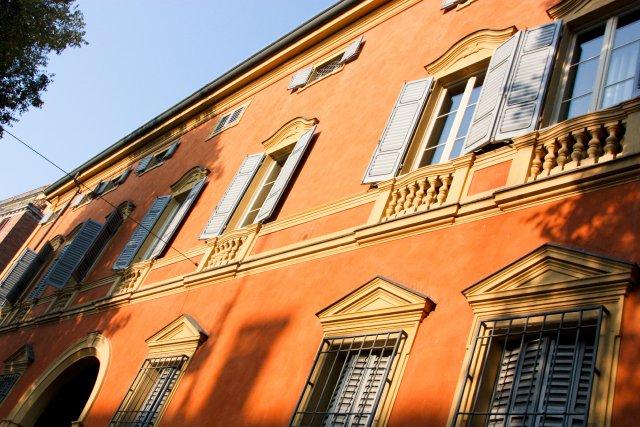 facade jaune italien