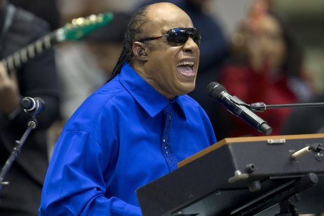 Stevie Wonder... (AP)