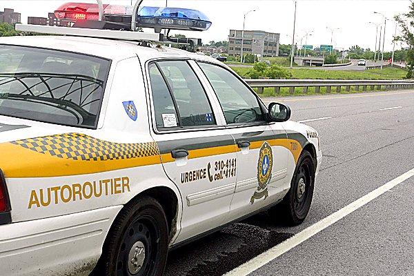 Deux adolescents ontariens de 16 et 17 ans ont été arrêtés par les  policiers... (ARCHIVES, LeDroit)