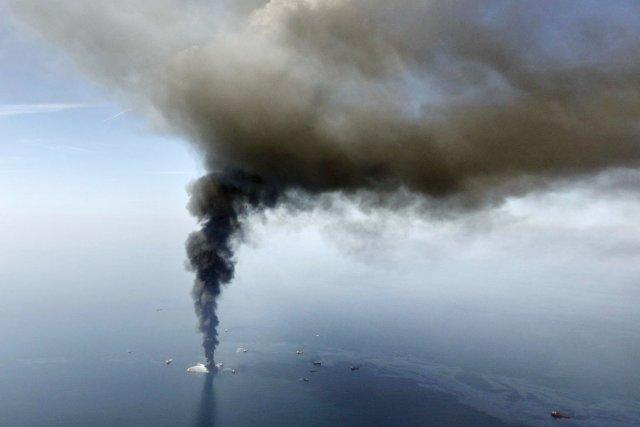 BP se défendra «vigoureusement» au civil 650266-explosion-20-avril-2010-plateforme