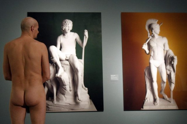 Pour plusieurs, la visite deHomme nu de 1800... (Photo Ronald Zak, Associated Press)