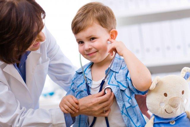 L'audition est moins surveillée chez l'enfant que la vue ou la dentition, selon... (Photo AFP)