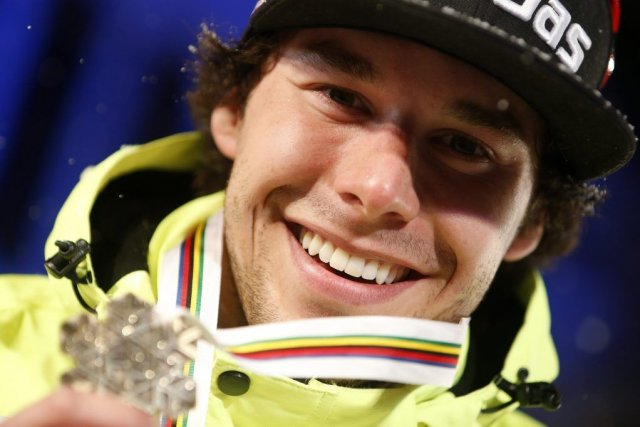 Alex Harvey est devenu le premier skieur de... (AP)