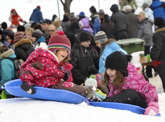 On pourra se rendre aux activités du Carnaval de Sherbrooke en autobus en... (Archives La Tribune)