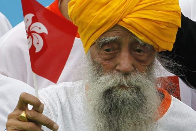 Fauja Singh, qui fêtera ses 102 ans le... (Photo Vincent Yu, Associated Press)