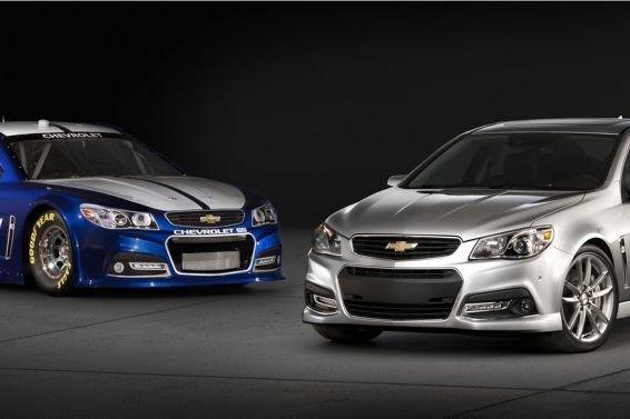 La Chevrolet SS (à droite) et sa cousine... (Alan Vanderkaay)