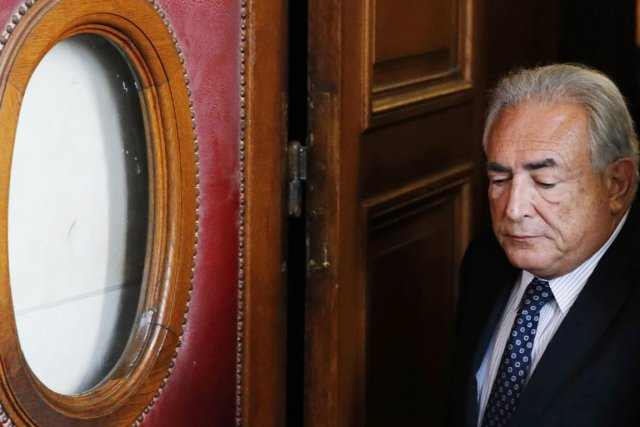 Devant la juge Anne-Marie Sauteraud, Dominique Strauss-Kahn a... (PHOTO CHRISTIAN HARTMANN, REUTERS)