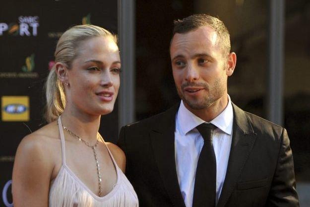 Reeva Steenkamp etOscar Pistorius... (Photo Lucky Nxumalo, AP)