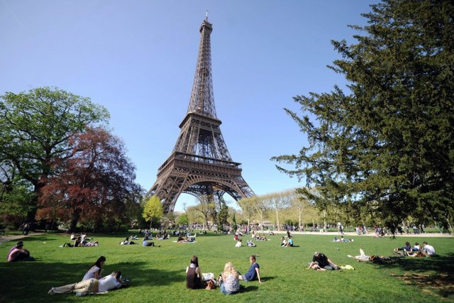 La tour Eiffel à Paris... (Photo: AFP)