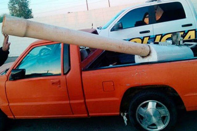 Le canon permet aux trafiquants mexicains de tirer... (PHOTO AP)