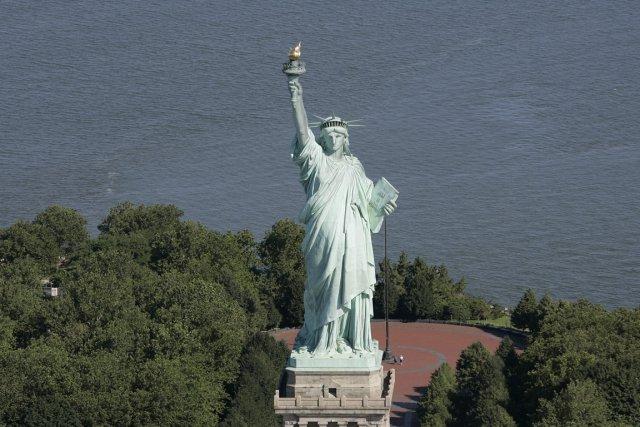 La Statue de la Liberté surLiberty Island.... (PHOTO STAN HONDA, ARCHIVES AFP)