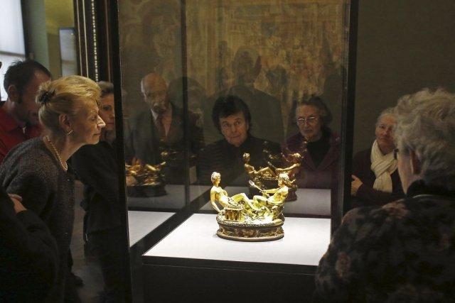 La fameuse «saliera» réalisée au XVIe siècle par... (PHOTO DIETER NAGL, AFP)