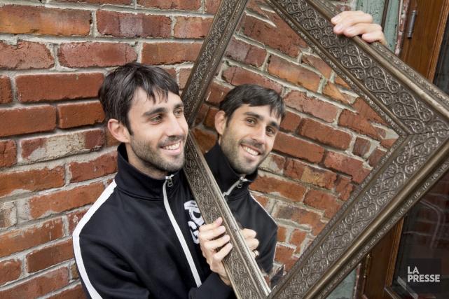 Luis Javier est le plus rêveur des jumeaux... (Photo Alain Roberge, La Presse)