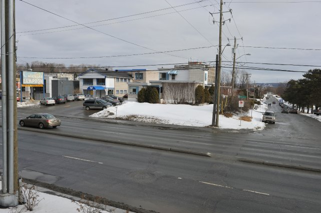 La bâtisse anciennement occupée par le magasin Matelas Lampron, située sur la... (Imacom, Claude Poulin)