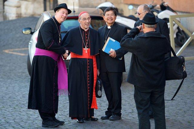 L'homme, identifié comme Ralph Napierski, pose avec le... (Photo: AFP)