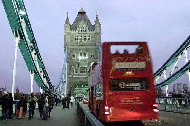 Les autobus à deux niveaux de Londres sont... (Photothèque Le Soleil)