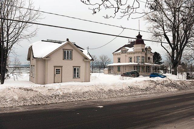St antoine de tilly pas de maison moderne au coeur du village - Proprietaire terrain mais pas maison ...