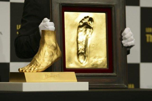 Le pied d'or doit être mis en vente... (Photo Toshifumi Kitamura, Agence France-Presse)