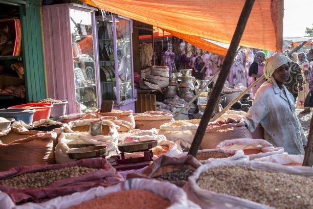 Le marché de Hadit avec ses marchands d'épices,... (Photo Aimie Éliot, collaboration spéciale)