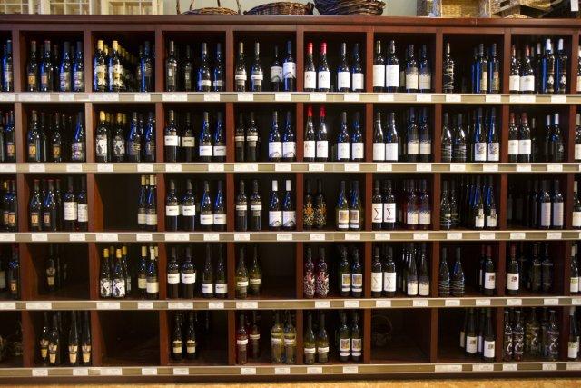 Rapporter au Québec du vin acheté dans une autre province est illégal. Mais... (Photo Olivier Pontbriand, La Presse)
