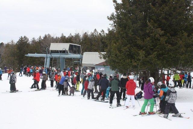 L'or blanc des stations de ski du Québec provoque toujours certaines ruées.... (La Tribune, Jean-François Gagnon)
