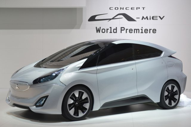 Le concept Mitsubishi CA-MiEV, un multisegment compact hybride... (Photo AFP)