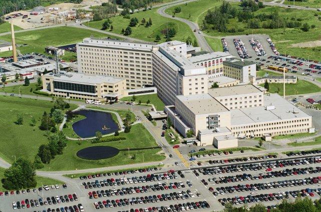 Le Centre hospitalier universitaire  de Sherbrooke (CHUS)... (Archives, La Tribune)