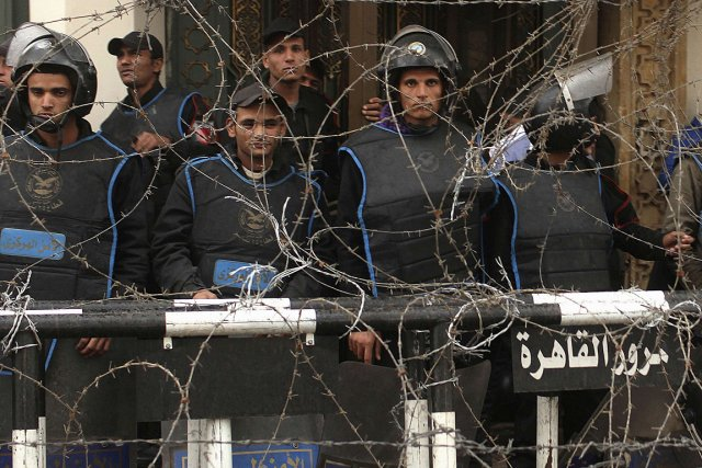 Des policiers égyptiens.... (Photo: archives Reuters)