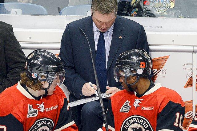 L'entraîneur-chef Patrick Roy veut garder les choses simples... (Photothèque Le Soleil, Patrice Laroche)
