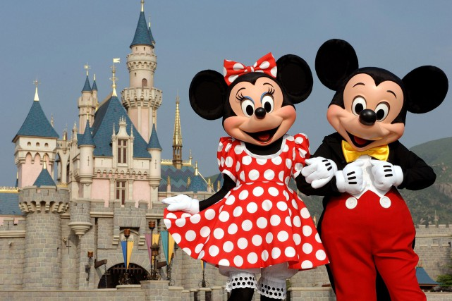 Minnie et Mickey Mouse.... (Photo Associated Press)