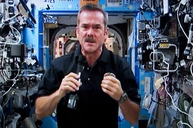 Chris Hadfield... (Photo : archives La Presse Canadienne)