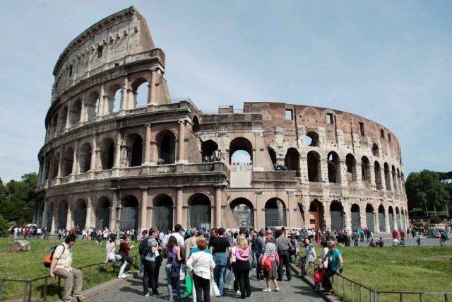 Malgré l'usure du temps, le Colisée de Rome... (Photothèque Le Soleil)
