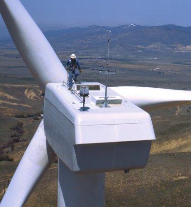 Une éolienne érigée en Ohio pour réduire la... (Photo Associated Press)