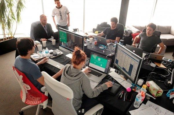 Une équipe de l'Iron Web pendant le WAQ... (Le Soleil, Patrice Laroche)