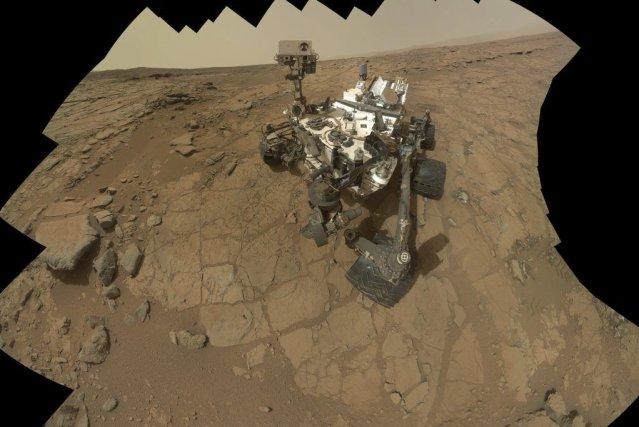 Le minirobot Curiosity avait été stoppé dans ses... (Photo Nasa, AP)