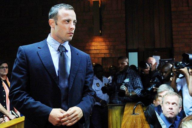 Oscar Pistorius est accusé du meurtre prémédité de... (PHOTO ALEXANDER JOE, ARCHIVES AFP)