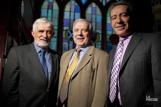 Alain Lemaire (au centre), et ses frères Bernard... (Photo André Pichette, archives La Presse)