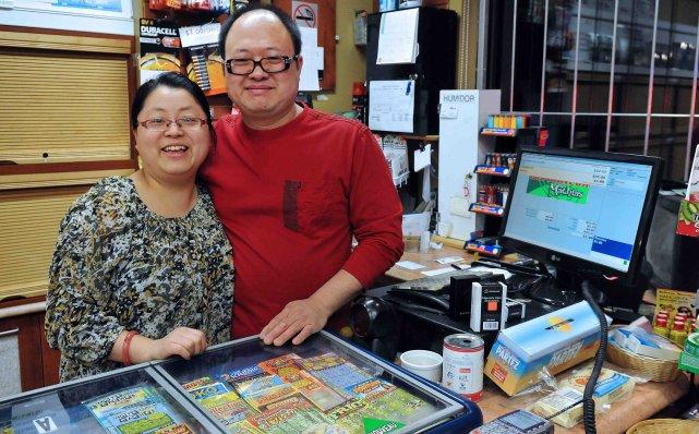 Yuan Yuan Li et Yu Wang travaillent fort... ((Photo Rocket Lavoie))