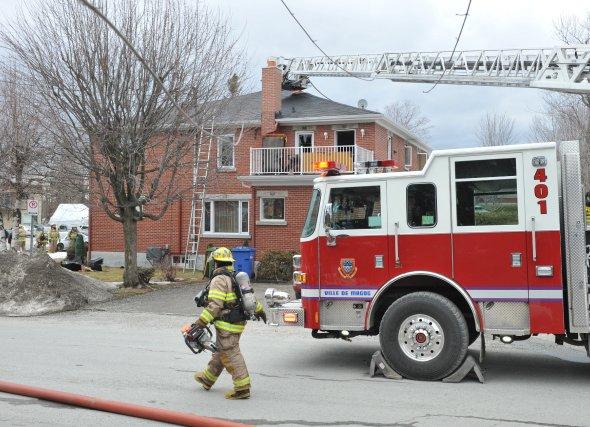 Un incendie survenu dans un immeuble de six logements a fait une victime,... (Imacom, Maxime Picard)