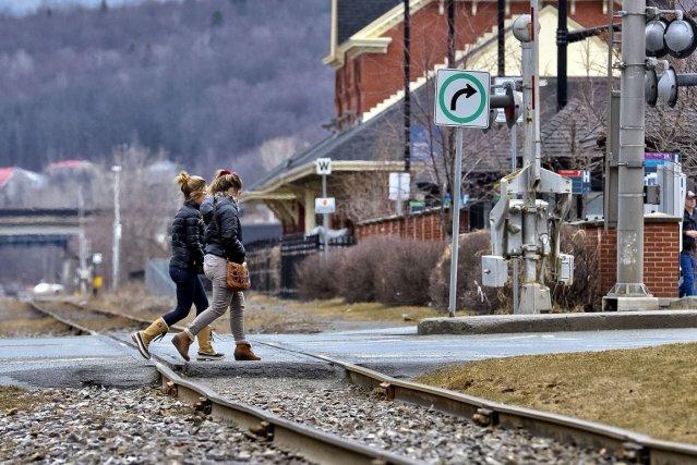 Le projet de train de passagers entre Montréal et Sherbrooke suscite de nouveau... (Imacom, Jocelyn Riendeau)