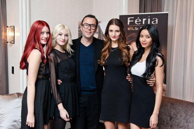 christophe robin expert coloriste entour des mannequins qui photo josh - Coloriste Paris