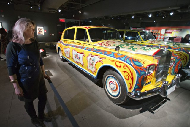La Rolls-Royce psychédélique de John Lennon.... (Photo: Ryan Remiorz, archives La Presse Canadienne)