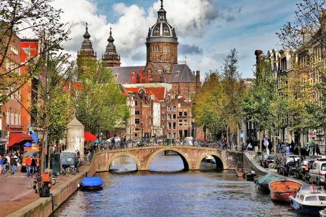 En 2010, le quartier des canaux d'Amsterdam, qui... (PHOTO FOURNIE PAR SHUTTERSTOCK.COM)