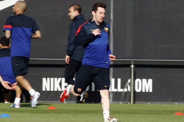 Lionel Messi à l'entraînement.... (Photo Gustau Nacarino, Reuters)