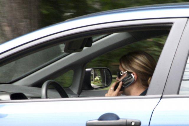 L'application Trapster permet aux conducteurs de signaler la... (photo archives La Voix de l'Est)