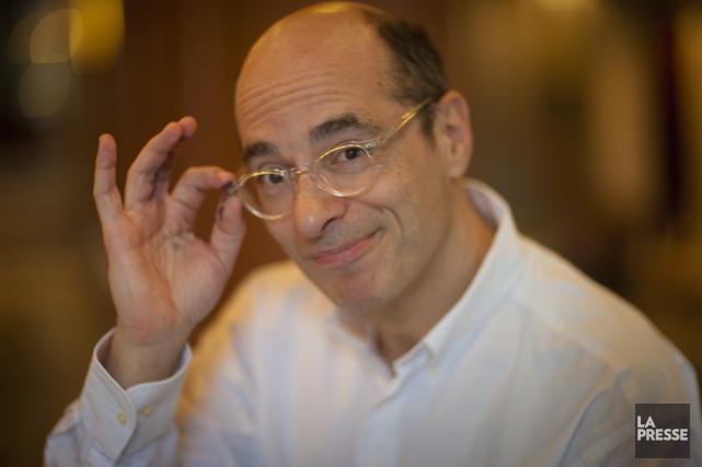 N'allez pas lui dire que son livre est soporifique, Bernard Werber le prendrait... (Photo: André Pichette, La Presse)