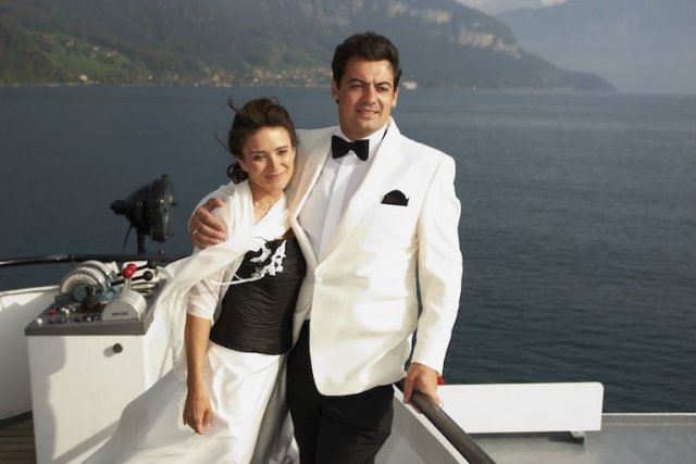 Que diriez-vous d'un mariage sur la patinoire d'un navire de la Royal... (Photos.com)