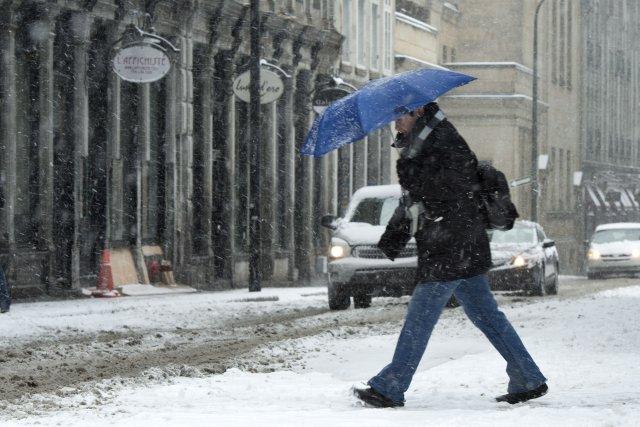 Si elle a été moins sévère que ce que les météorologues craignaient, la tempête... (Photo Paul Chiasson, La Presse Canadienne)