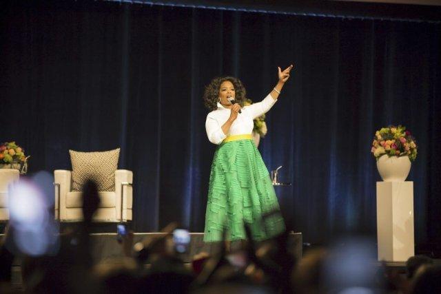 Jeudi, Oprah a attiré 150 fans finis à... (PHOTO FOURNIE PAR EVENKO)